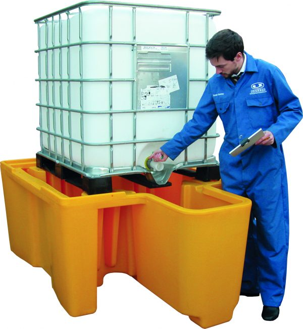 SINGLE FREESTANDING IBC SPILL PALLET WITH BUCKET SPACE FL-205-201