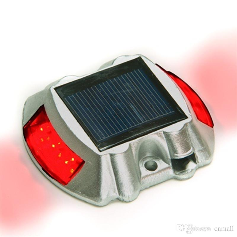 SOLAR ROAD STUD CAT EYES FLASHING LIGHT